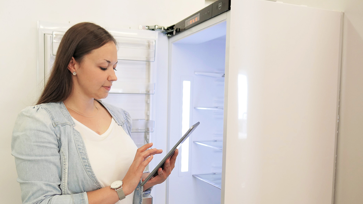 Header-Kühlschrank-Ferienmodus-Stromsparen-blog-vzug