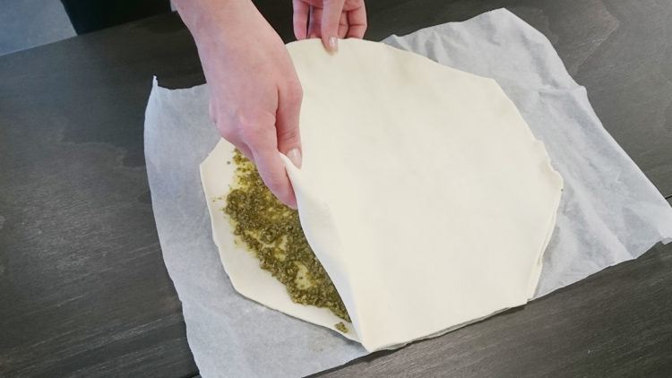 3 Puff Pastry Pesto Christmas Tree blog vzug