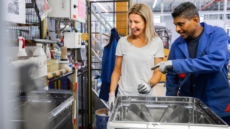 Lave-vaisselle Des assistants de cuisine performants qui vous font briller, vous et votre vaisselle blog vzug
